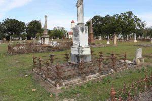 featherston-grave